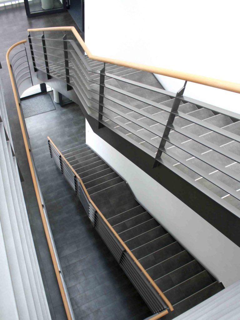 106 | Steintreppe im Treppenhaus