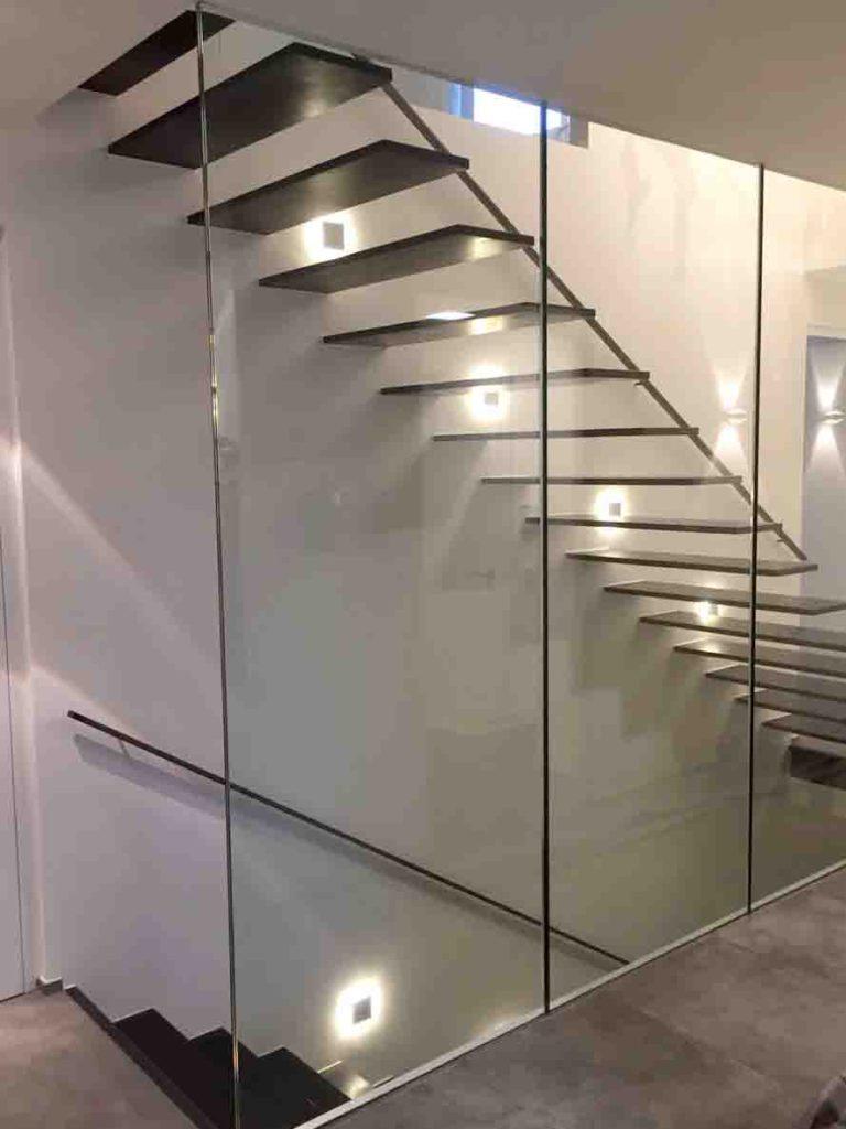 104 | Geölte stufen mit glas