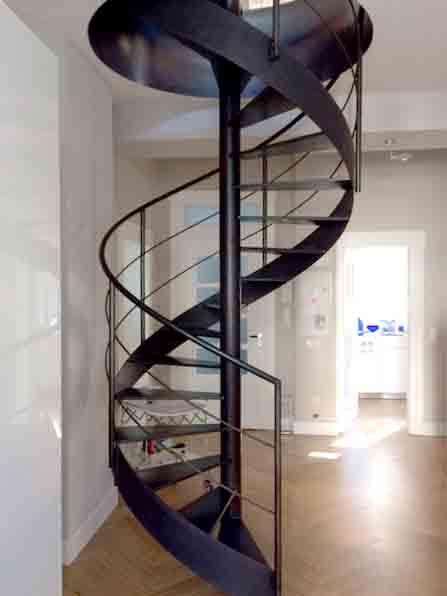 105 | Stahltreppe